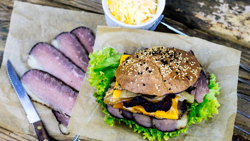 LowCarb Pastrami Burger